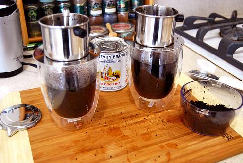 Pha cà phê kiểu việt nam