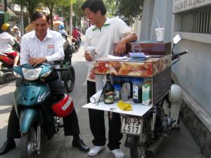 Mô hình bán cà phê dạo giúp khách hàng tiết kiệm được thời gian.