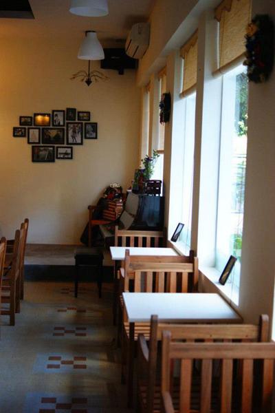 cafe-de-la-gare-2