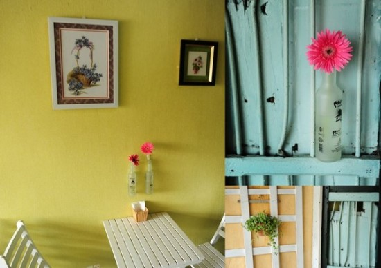 gu-cafe-co-mot-vuon-hoa-tren-balcony