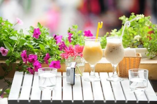 Đồ uống chủ yếu tại Gu là các loại sinh tố và nước hoa quả