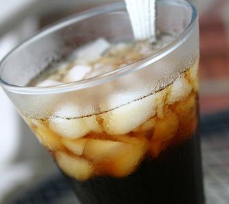 Năng lượng trong 1 ly cà phê đá bằng một bữa ăn chiều