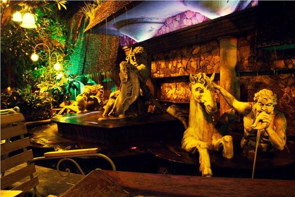 The Myth Cafe Sài Gòn