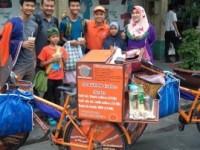 Câu chuyện cảm động của Giám đốc đạp xe dạo bán cà phê