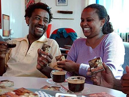 quan ca phe bao cao su - condom cafe ethiopia